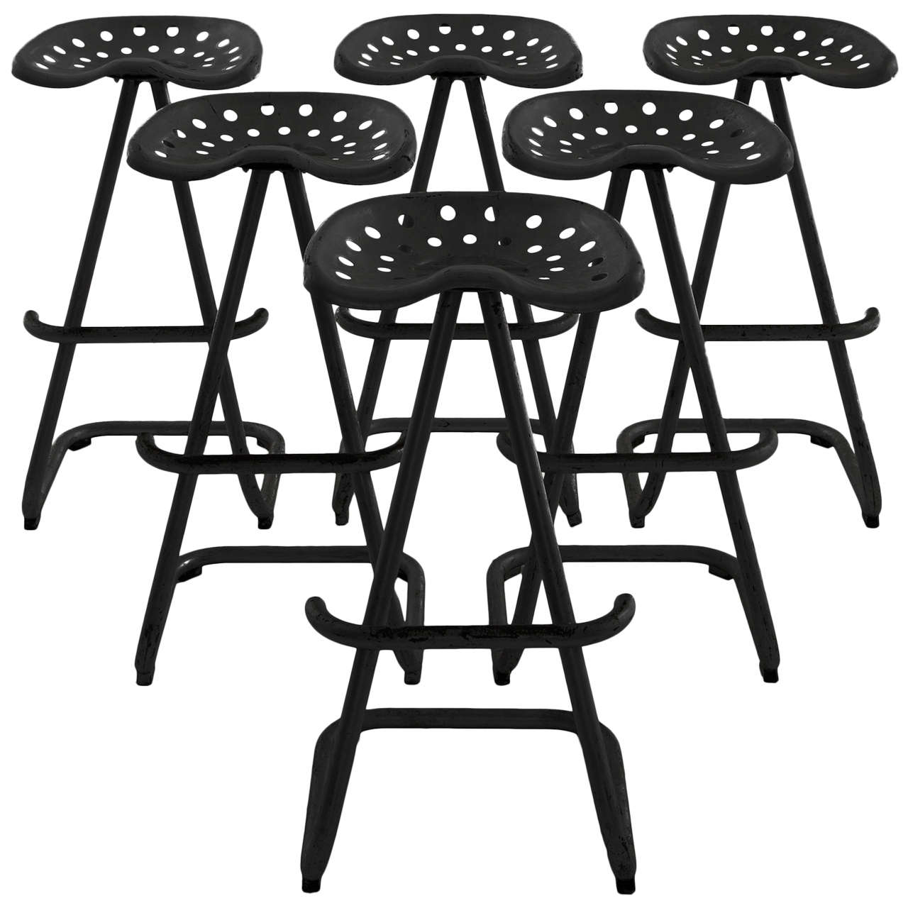 Large quantity of tractor seat stools at 1stdibs for Art 1576 cc