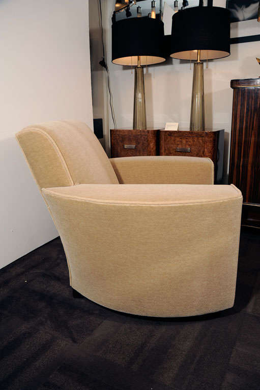 Pair of Art Deco Streamline Club Chairs in Camel  Mohair image 4