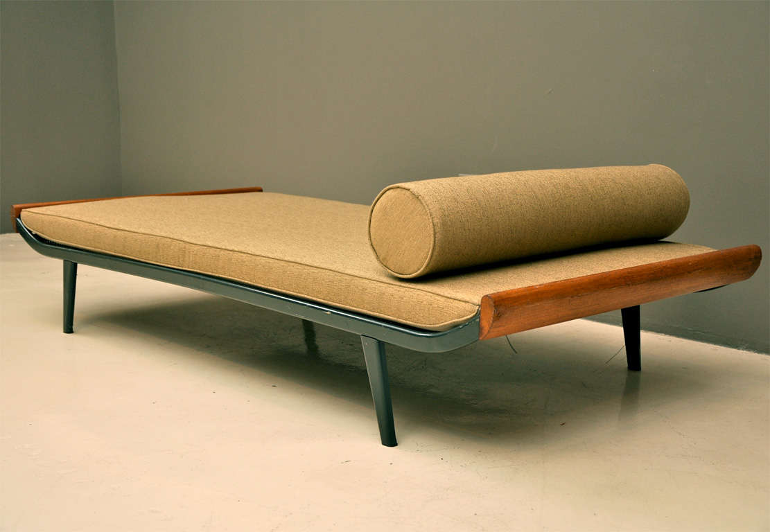 Auping cleopatra daybed at 1stdibs for Cleopatra sofa bed