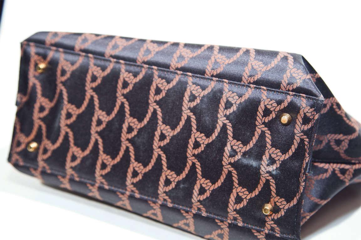 handbags galore roberta di camerino Shop roberta di camerino® bags at stylight: 49 items in stock best sellers 2018 variety of colors sale: at usd $20200+ » shop now.