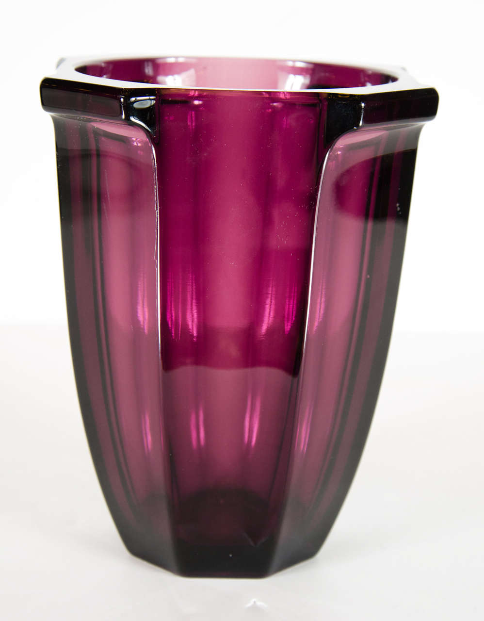 Exquisite art deco amethyst urn form glass vase at 1stdibs - Deco glace ...