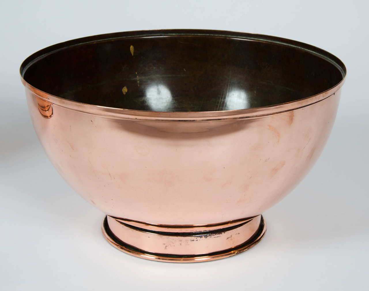 Pair of Early 19th Century Large Copper Bowls 6