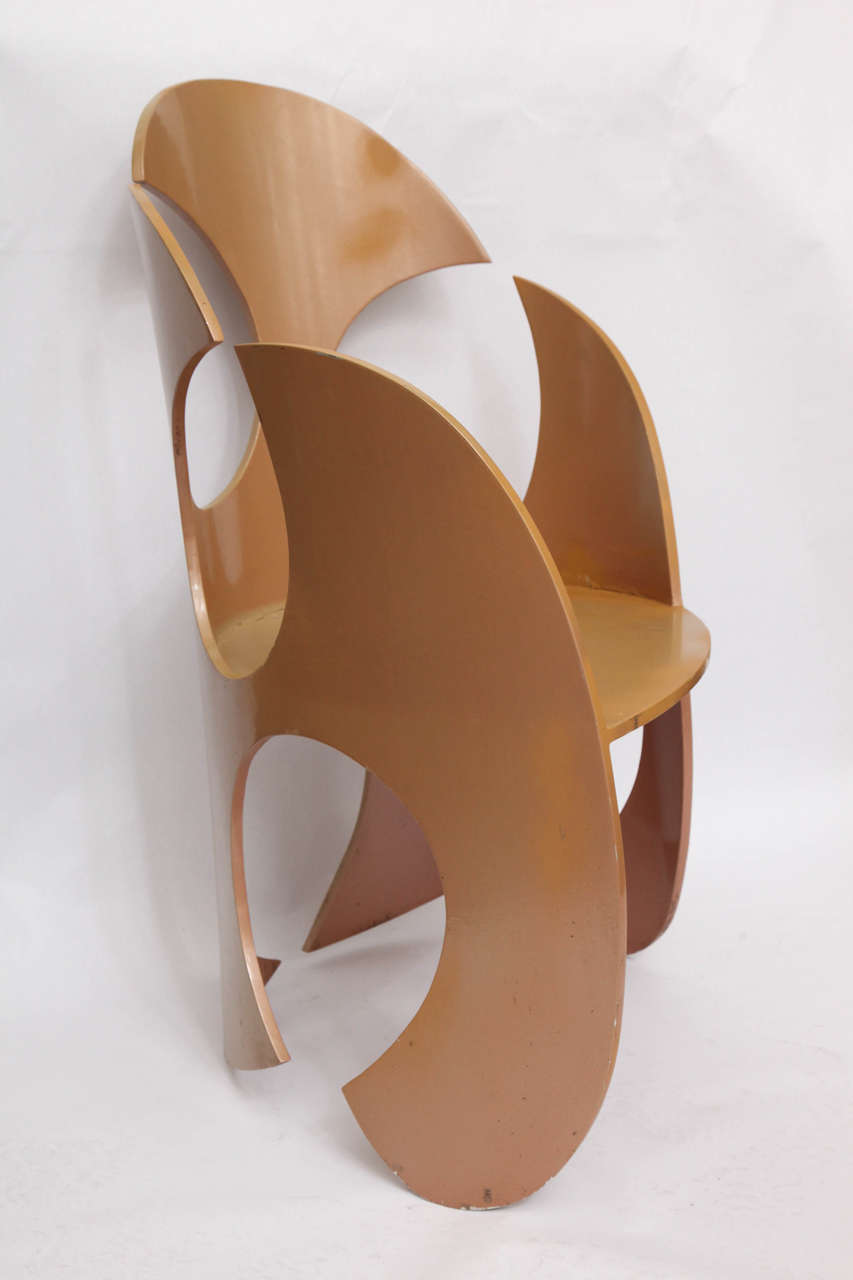 Late 20th Century 1980s Sculptural Chair Crafted of Painted Metal For Sale