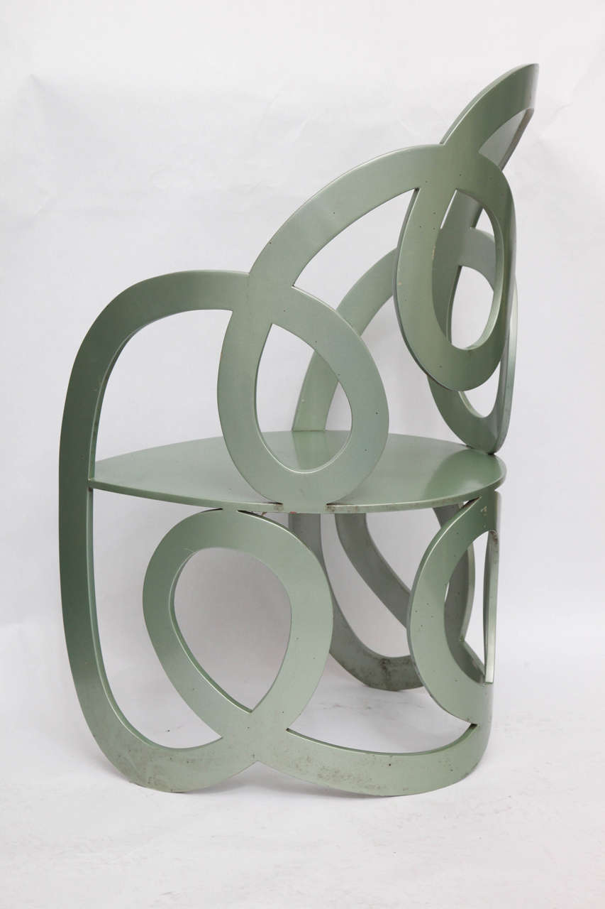 1980s Sculptural Chair Crafted of Painted Metal In Excellent Condition For Sale In New York, NY