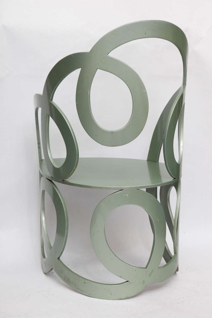 1980s Sculptural Chair Crafted of Painted Metal For Sale 1
