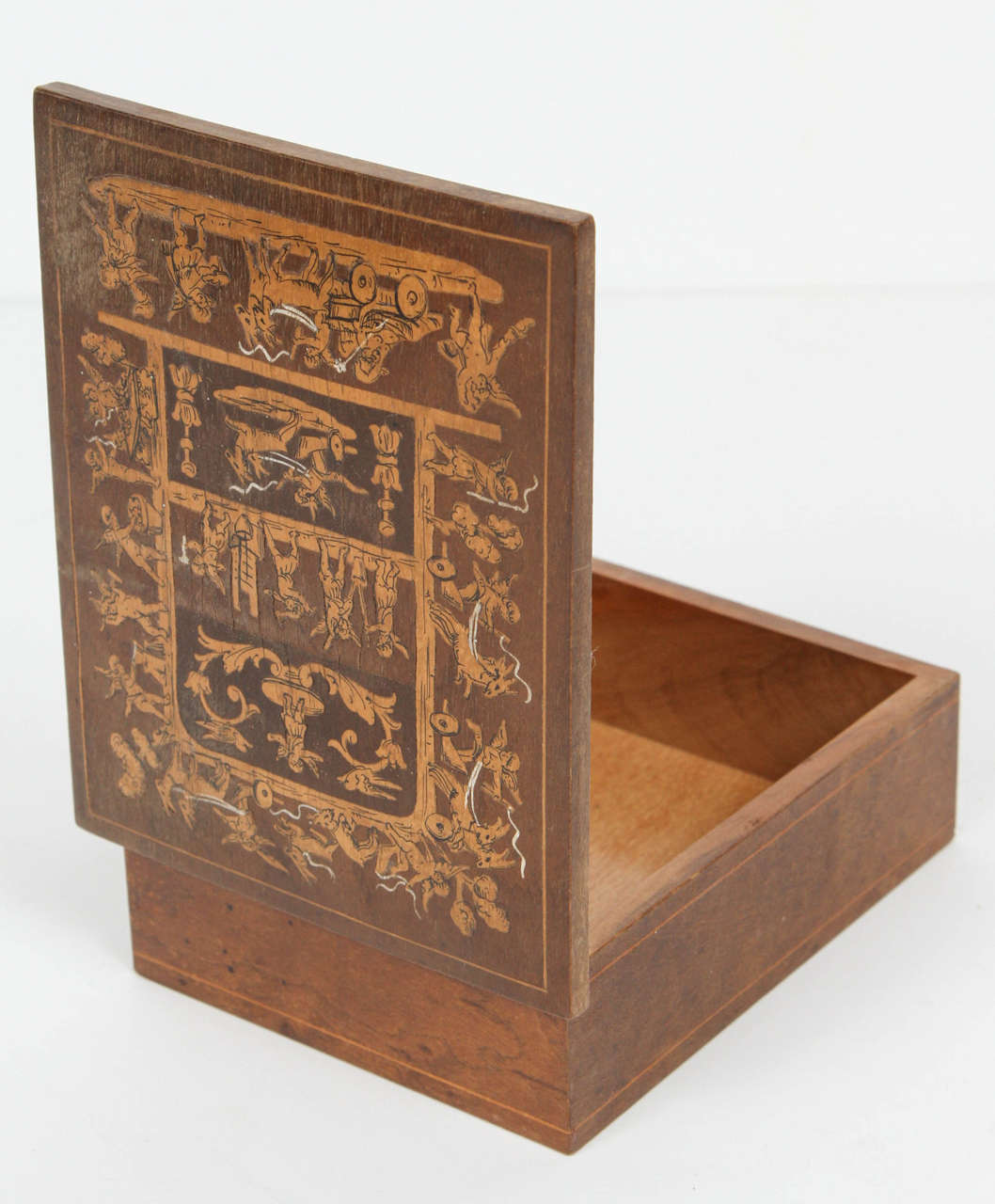 20th Century 19th Century French Inlay Wooden Cigarette Box For Sale