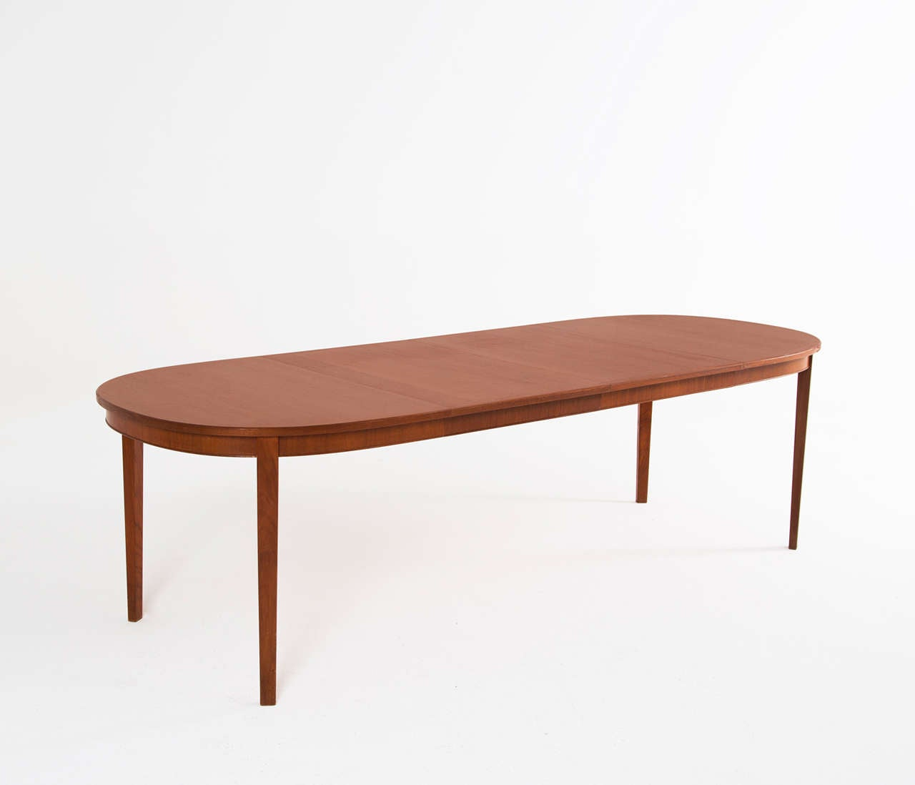 Extendable Oval Dining Table In Teak At 1stdibs