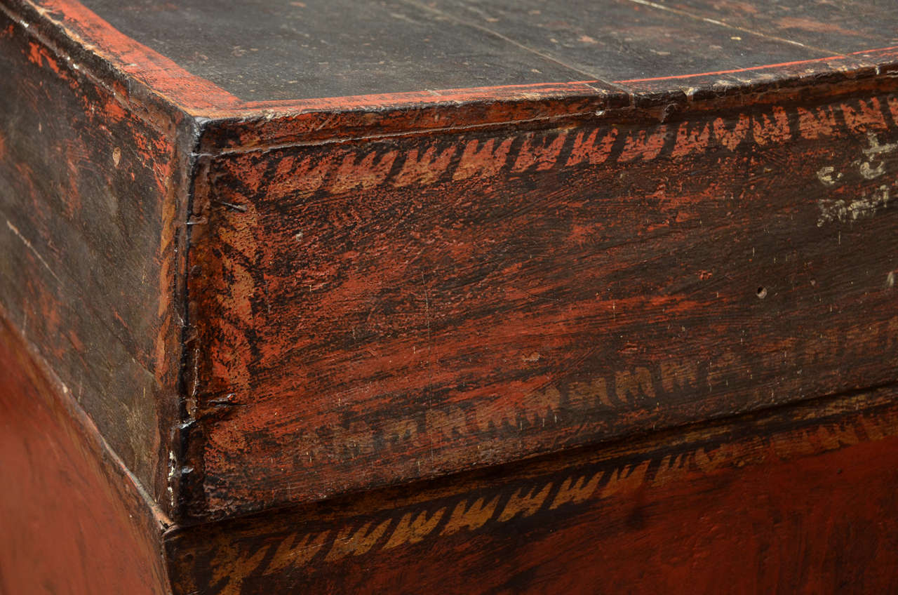 Late 18th Century Burmese Temple Book Storage Trunk in Original Lacquer For Sale 1