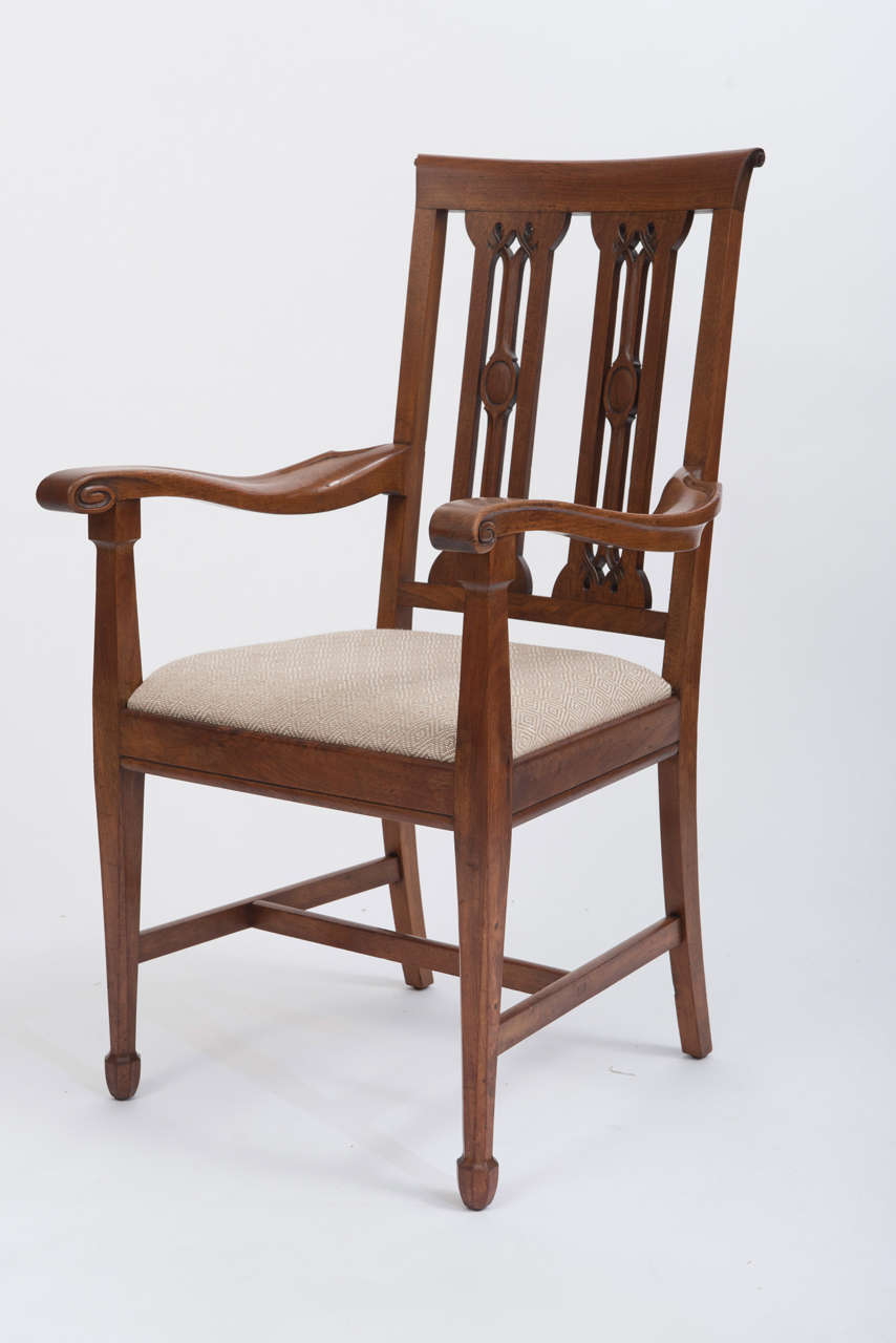 A Set Of 8 Walnut Dining Chairs By Arthur Simpson Kendal 1857 1922