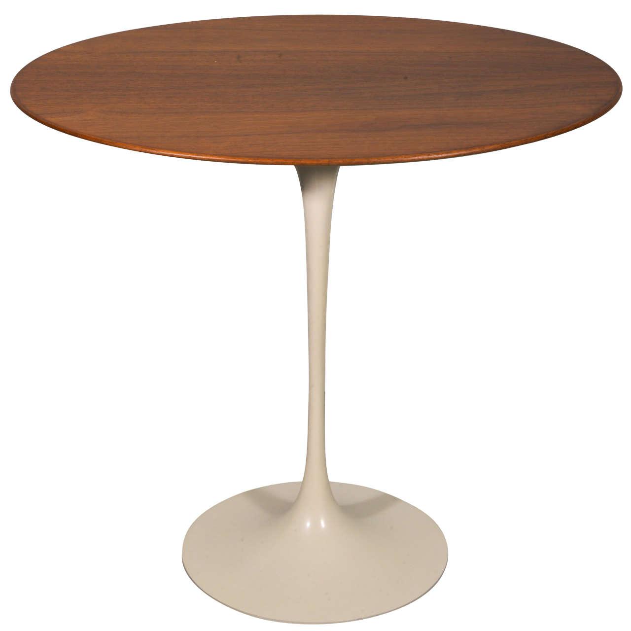 vintage eero saarinen oval rosewood tulip table for knoll at 1stdibs. Black Bedroom Furniture Sets. Home Design Ideas