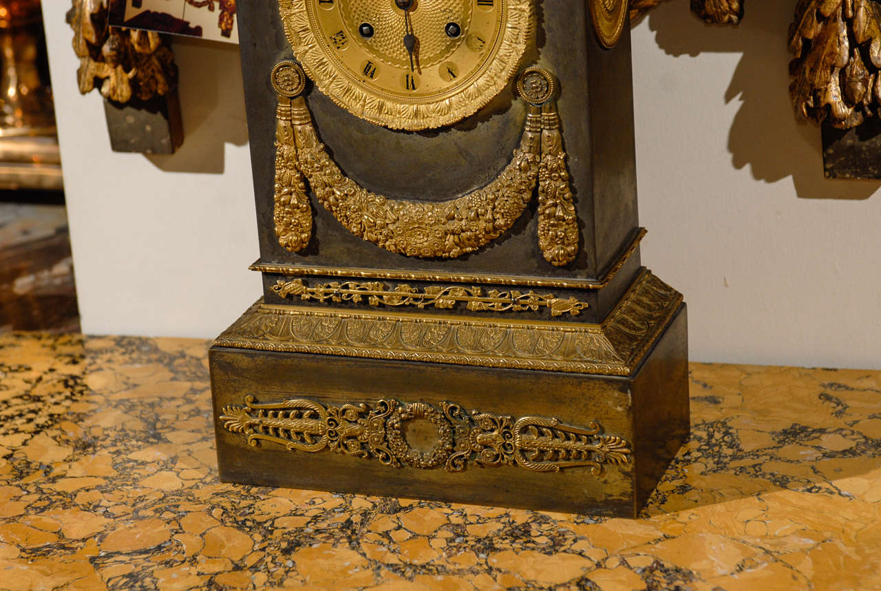 19th Century French Neoclassical Mantel Clock with Ormalu For Sale 1