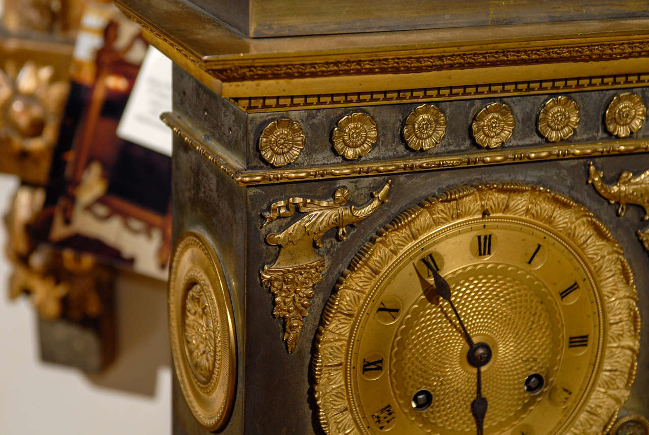 19th Century French Neoclassical Mantel Clock with Ormalu For Sale 2