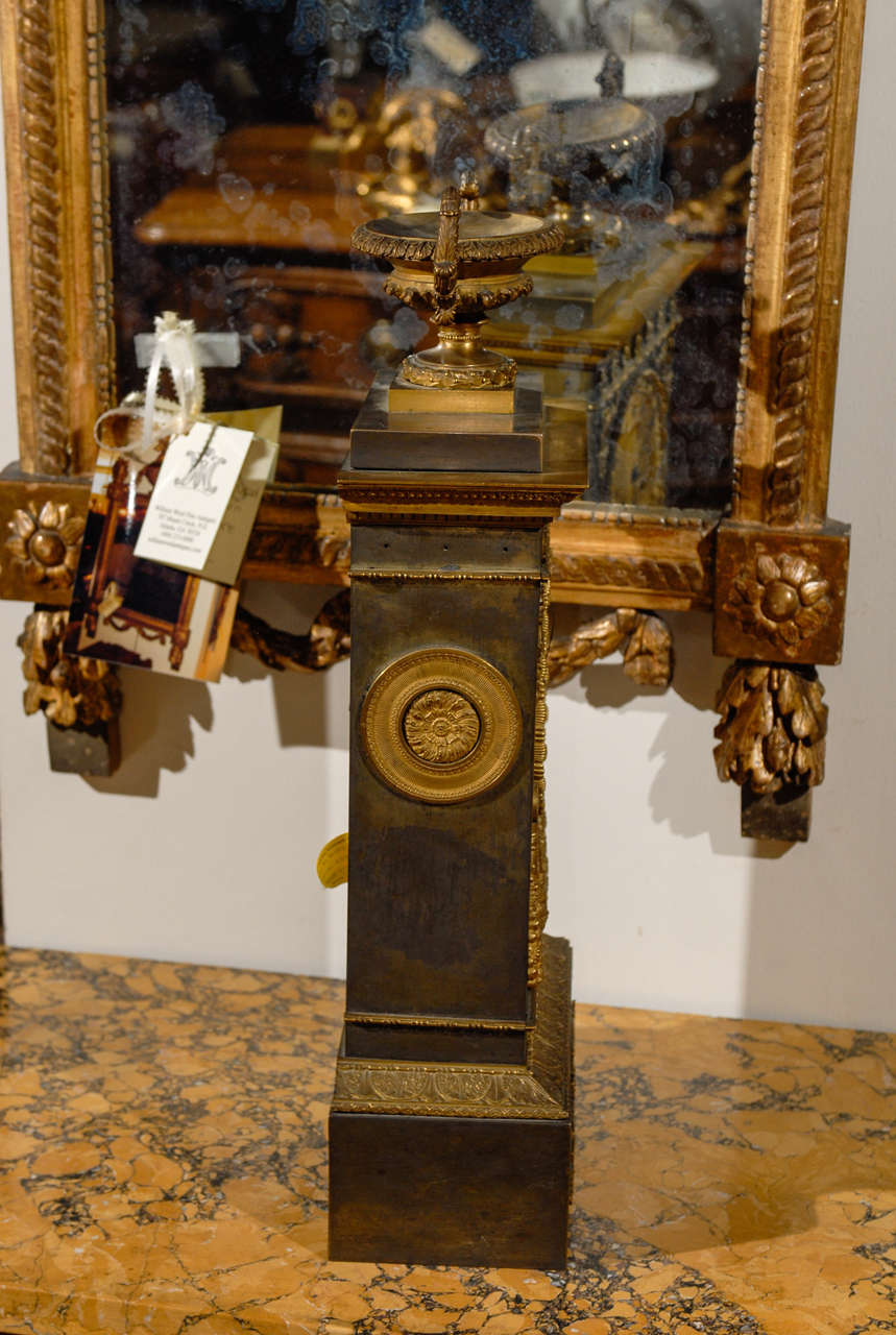 19th Century French Neoclassical Mantel Clock with Ormalu For Sale 3