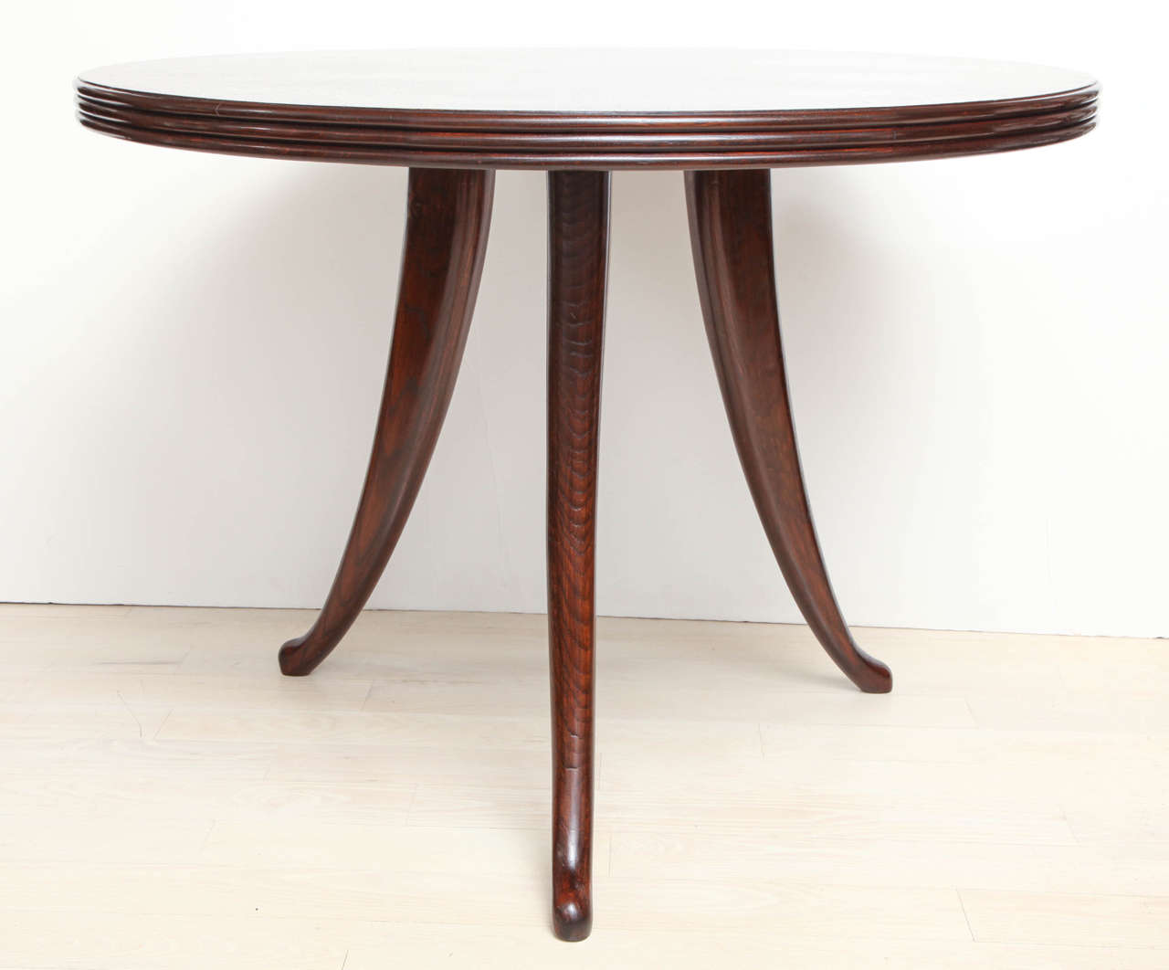Round Oak Dining Table with Tripod Base Italy circa 1960  : IMG2045 from 1stdibs.com size 1280 x 1062 jpeg 57kB
