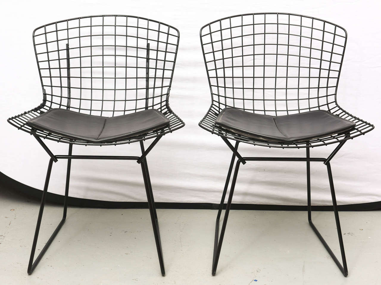 Bertoia Wire Chairs with Black Leather Knoll Cushions, 1960s, USA 2