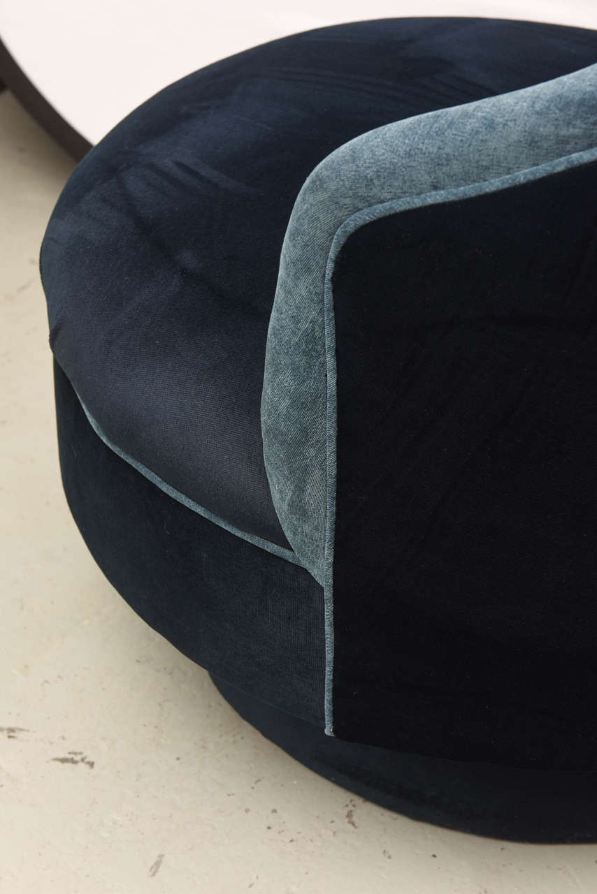 Two-Toned High-Back Adrian Pearsall Swivel Chair in Velvet, 1960s, USA In Excellent Condition For Sale In Miami, FL