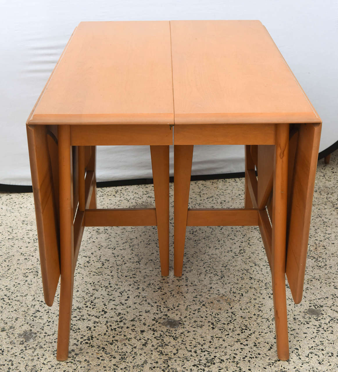 Maple heywood wakefield drop leaf dining table 1950s for Dining table with two leaves