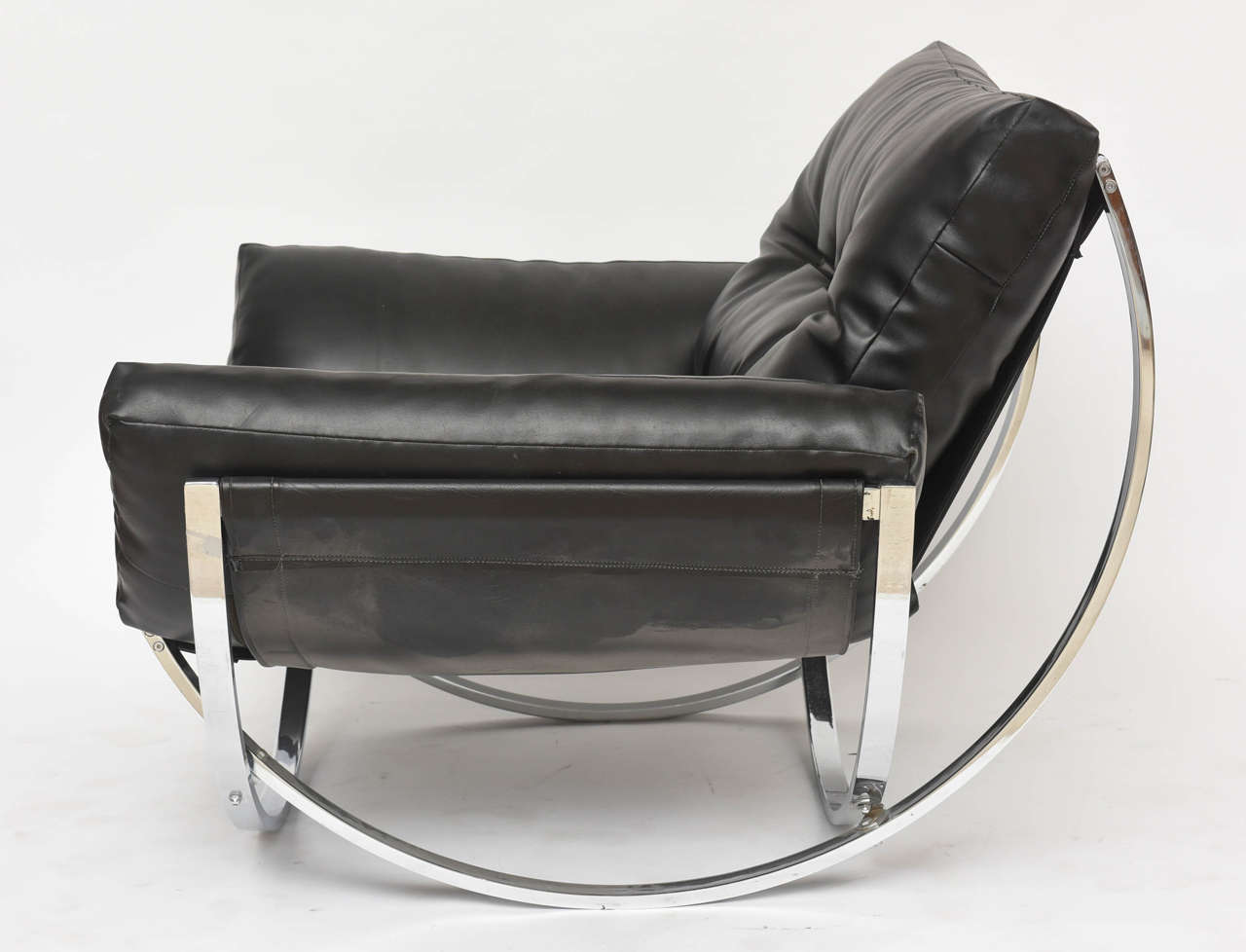 italian modern polished chrome and leather chair by stendig at 1stdibs. Black Bedroom Furniture Sets. Home Design Ideas