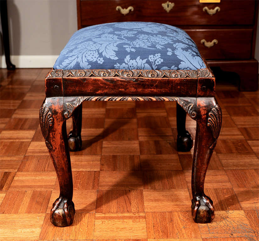 Georgian Mahogany Stool with Shell-Carved Cabriole Legs For Sale 2