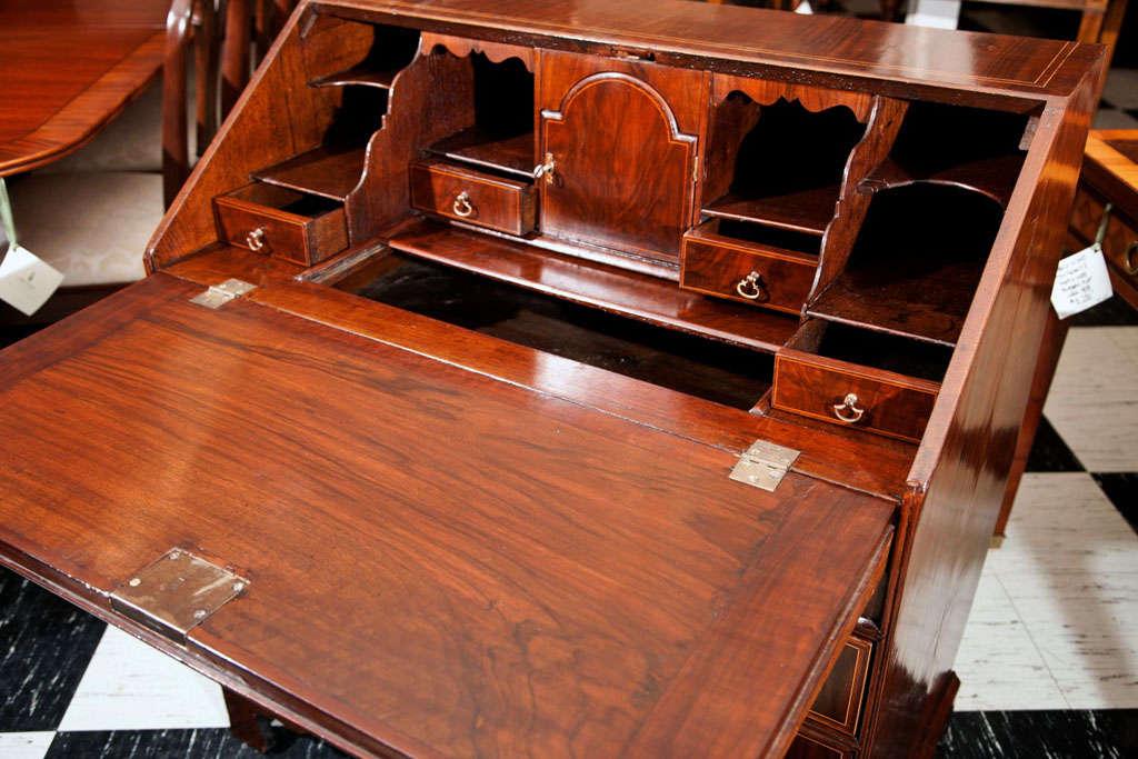 English Walnut Slant Front Bureau/Desk with String Inlay For Sale 1