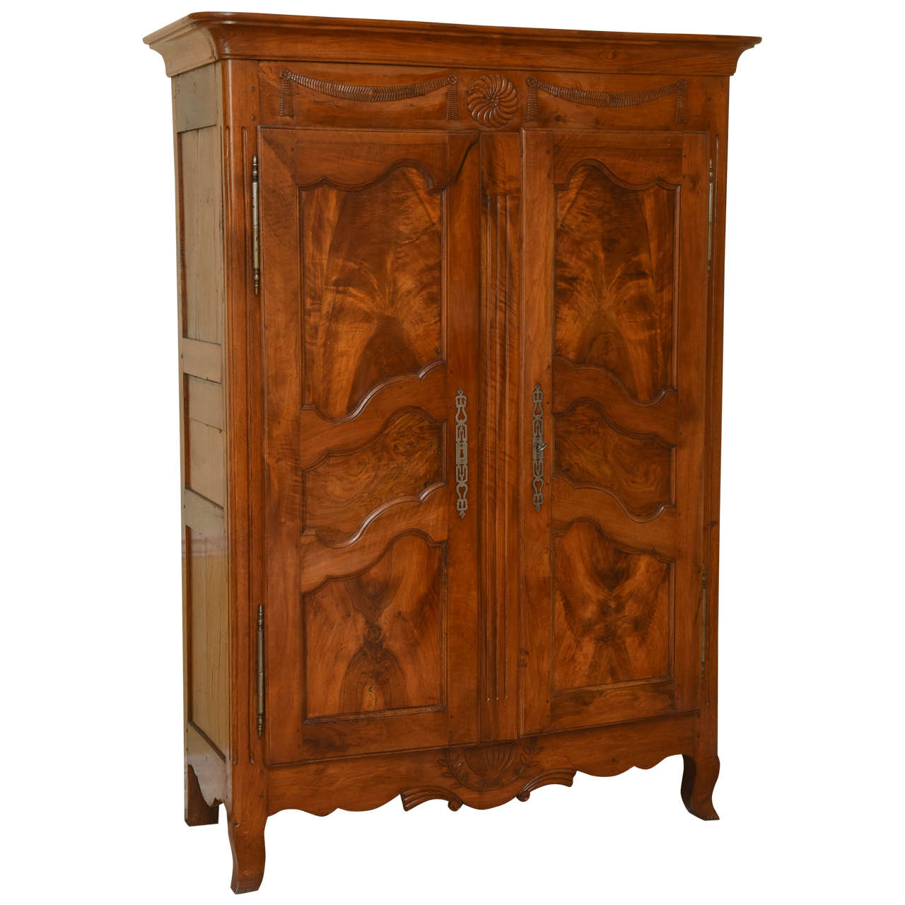 fine louis xv walnut armoire for sale at 1stdibs. Black Bedroom Furniture Sets. Home Design Ideas