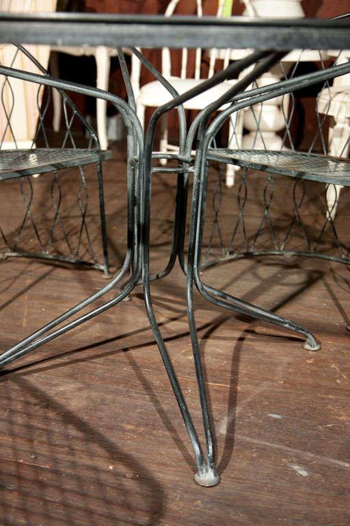 Salterini Round Table and Chairs For Sale 1