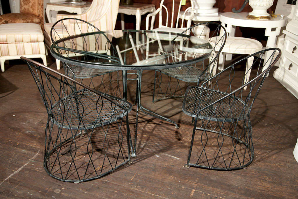 Salterini Round Table and Chairs For Sale 5