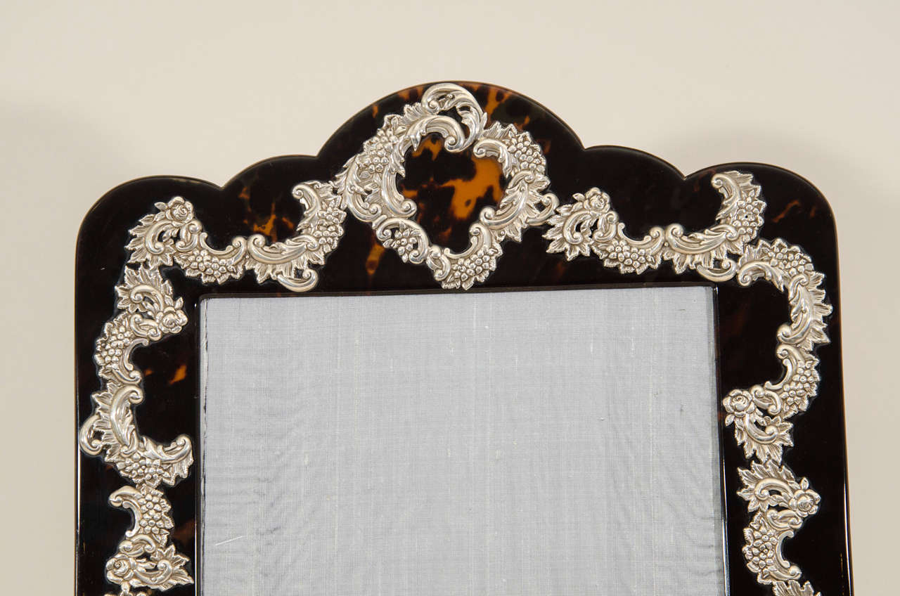 Large English Art Deco Silver-Mounted Faux Tortoiseshell Photograph Frame In Excellent Condition For Sale In New York, NY