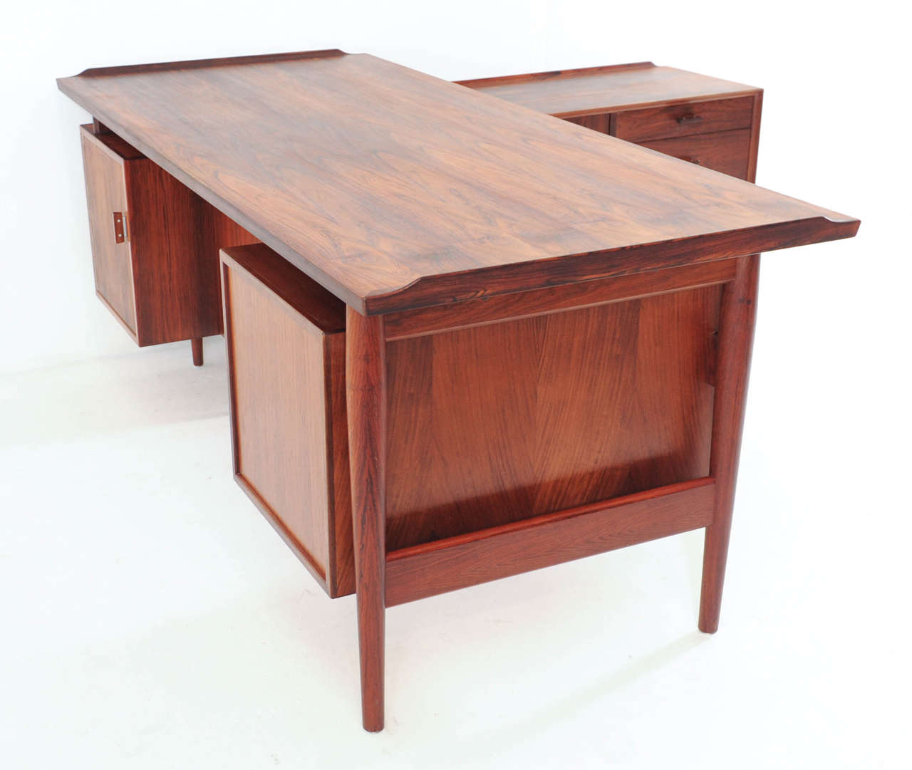 Arne Vodder For Sibast L Shaped Executive Desk And Sideboard Image 6. Full resolution‎  picture, nominally Width 1280 Height 1081 pixels, picture with #9E3D2D.