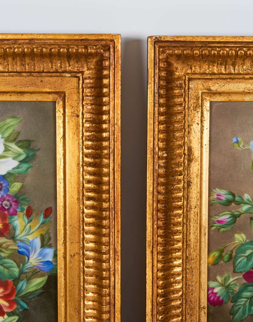 Late 19th Century Pair of Hand-Painted Porcelain Plaques of Floral Still-Life Paintings For Sale