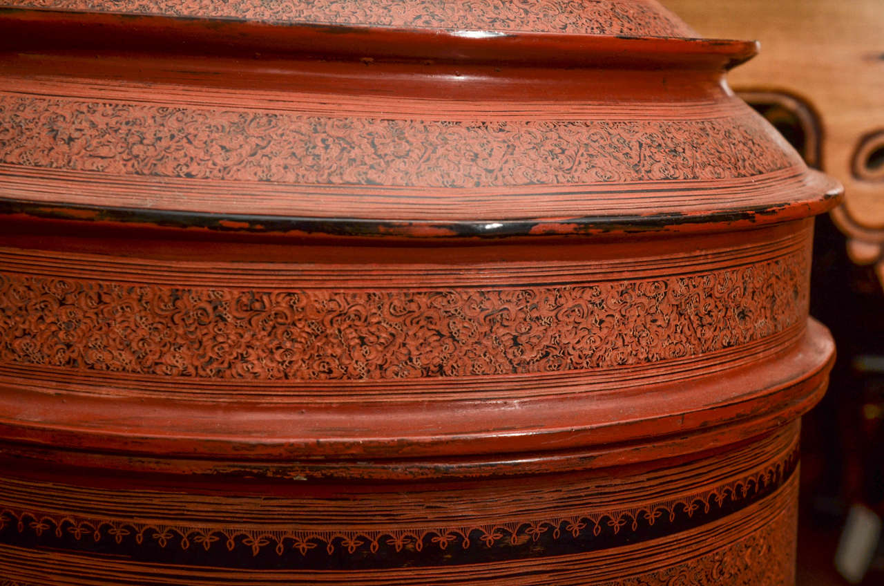 Late 19th Century Thai Lacquered Offering Cylinders In Excellent Condition For Sale In East Hampton, NY