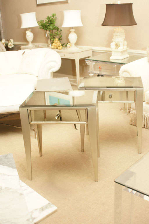 Pair of Mirrored 1-Drawer Nite Stands image 2