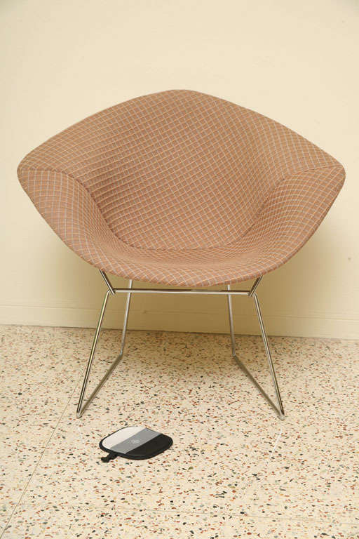 iconic harry bertoia chrome diamond chair for knoll at 1stdibs. Black Bedroom Furniture Sets. Home Design Ideas