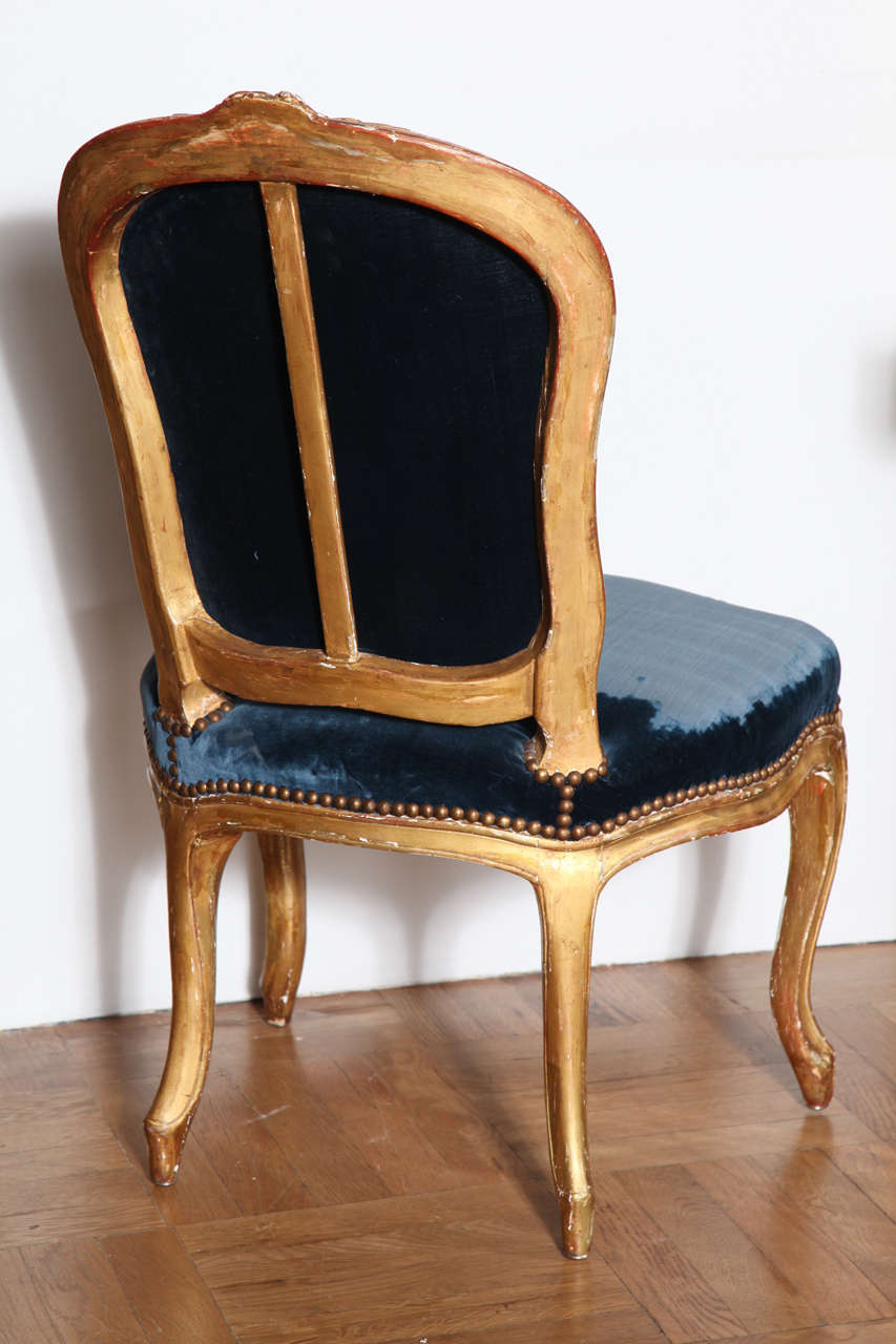 A pair of louis xv gilt chaises at 1stdibs for Chaises louis xv cannees