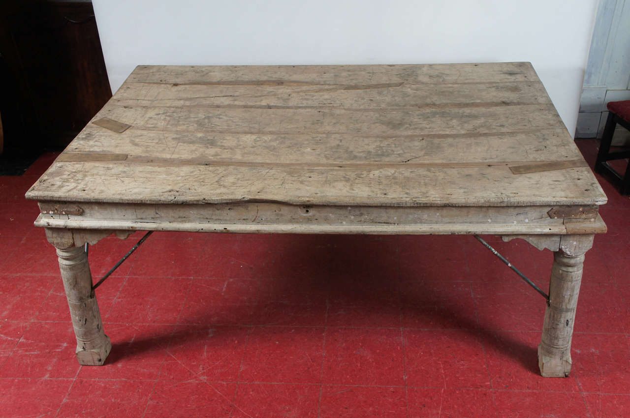 Indian Plank Teak Dining Table at 1stdibs : DSC5811 from 1stdibs.com size 1280 x 850 jpeg 96kB