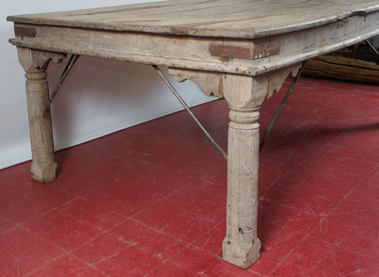 Indian Plank Teak Dining Table at 1stdibs : DSC5816 from 1stdibs.com size 1280 x 937 jpeg 113kB