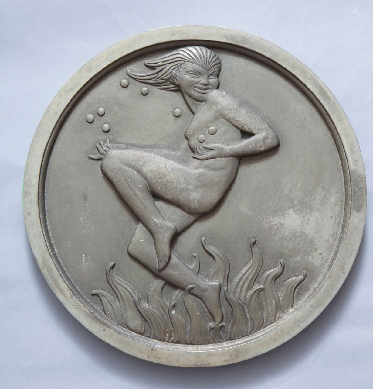 Pair of Art Deco Silver Plated Bronze Medallions In Good Condition For Sale In New York, NY