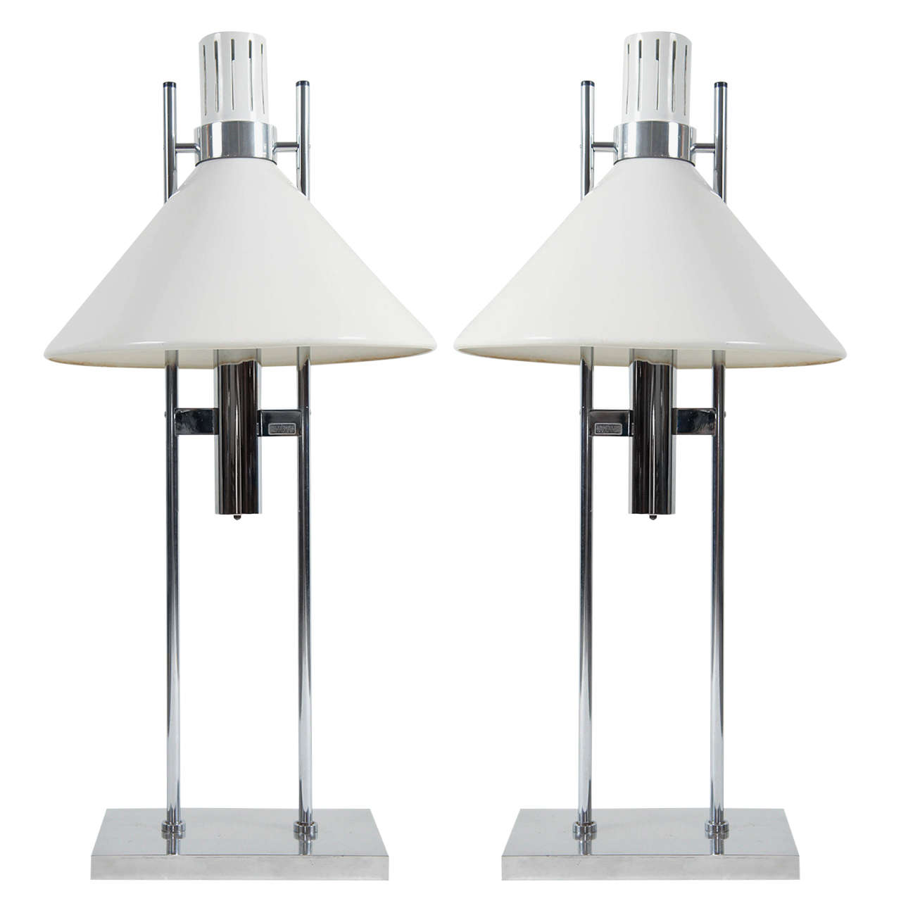 pair of Space Age Table lamps in polished aluminum by Robert Sonneman