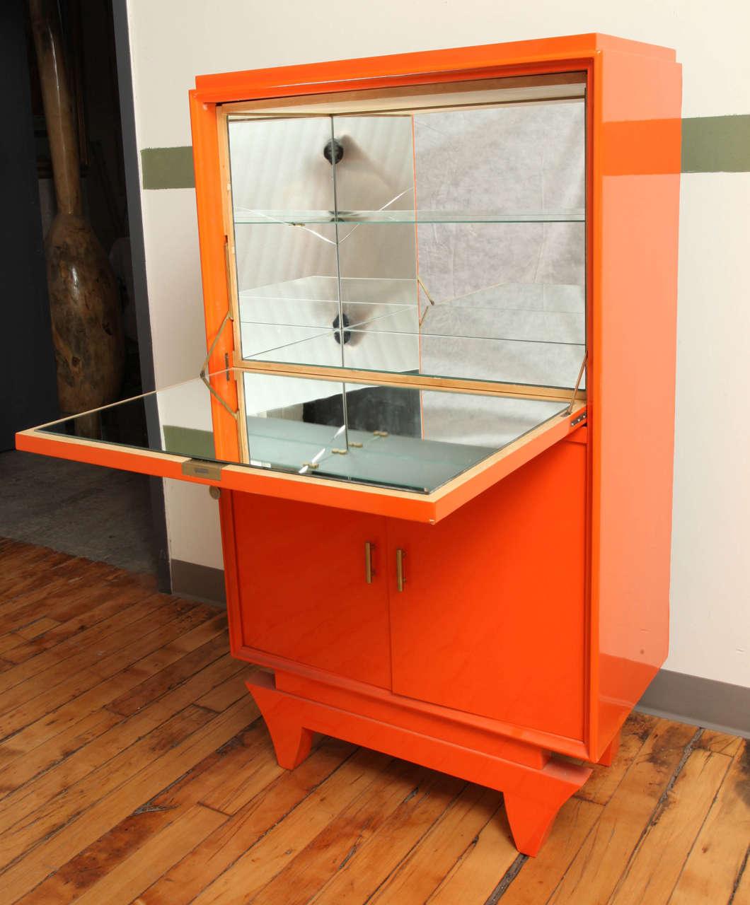 art deco lacquered bar cabinet at 1stdibs. Black Bedroom Furniture Sets. Home Design Ideas