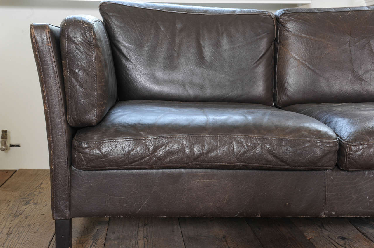 1960s Danish Three-Seat Vintage Design Sofa with Black Leather Upholstered For Sale 3