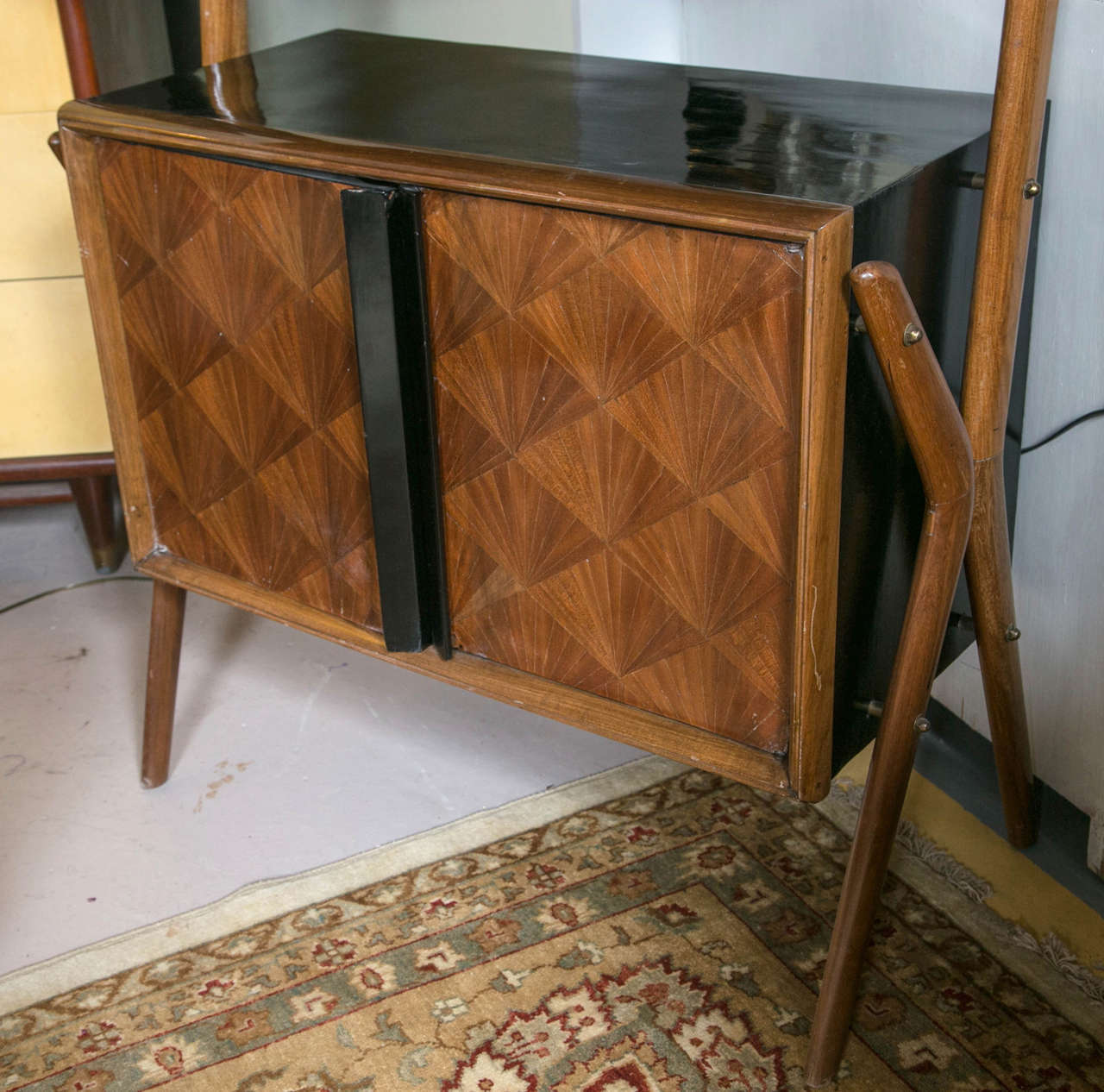 Art Deco Bar Cabinet In Good Condition For Sale In Stamford, CT