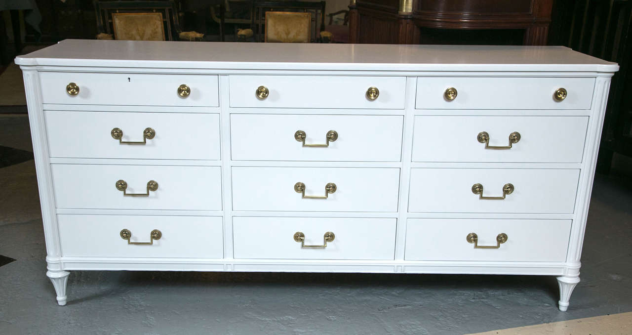 Louis XVI Style White Lacquered Triple Dresser Commode In Good Condition In Stamford, CT