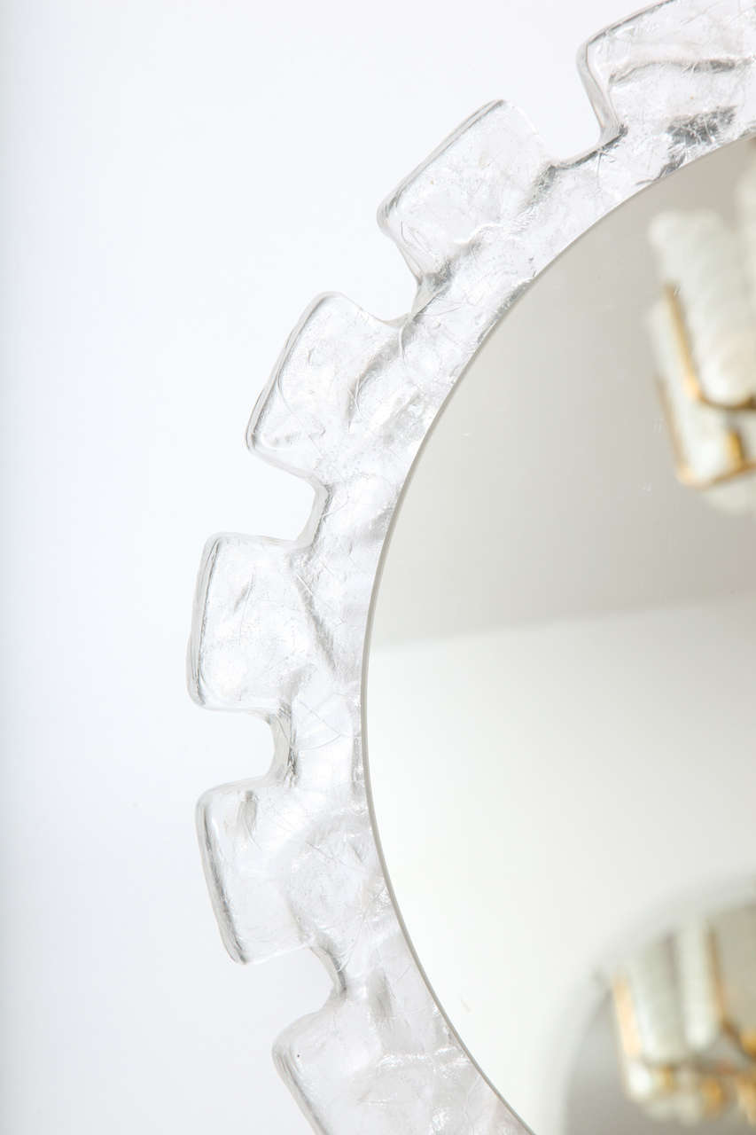 Mid Century Illuminated Round  Mirror with Molded Resin Frame For Sale 1