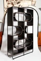 Italian origin modernist bookcase at 1stdibs for Separation decorative entre 2 pieces
