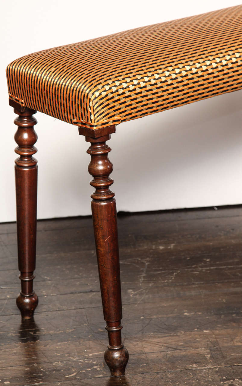 Mid 19th Century Irish Bench In Excellent Condition For Sale In New York, NY