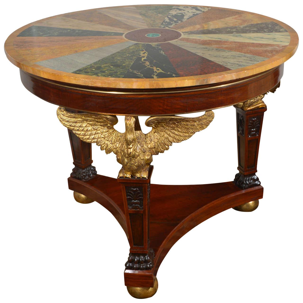 Runder Tisch im Empire-Stil, 19. Jahrhundert
