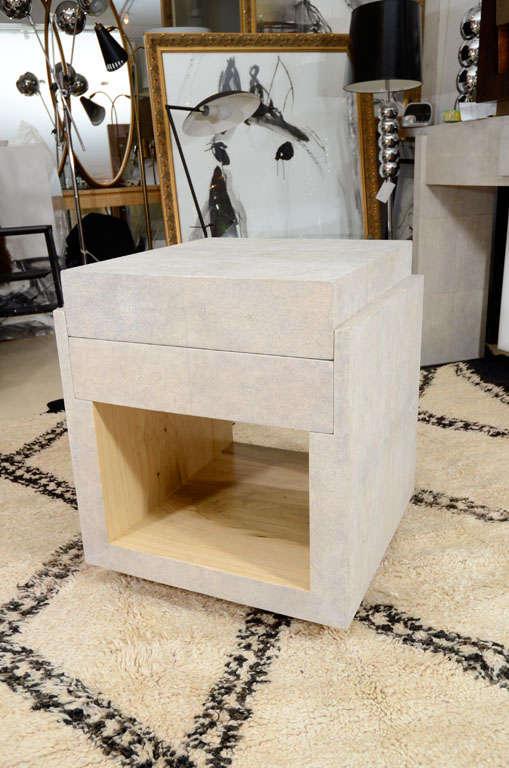 portable kitchen island with granite countertops