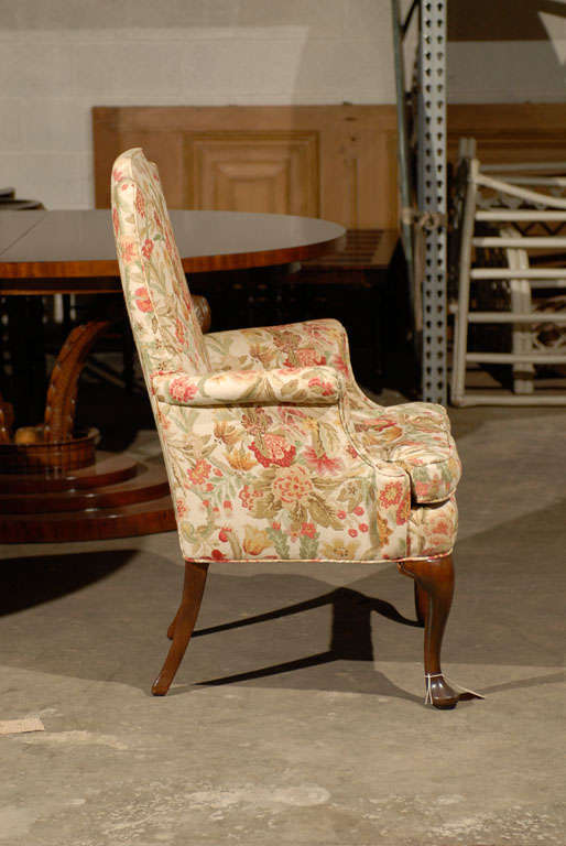 PAIR OF UPHOLSTERED HOST & HOSTESS CHAIRS For Sale 5