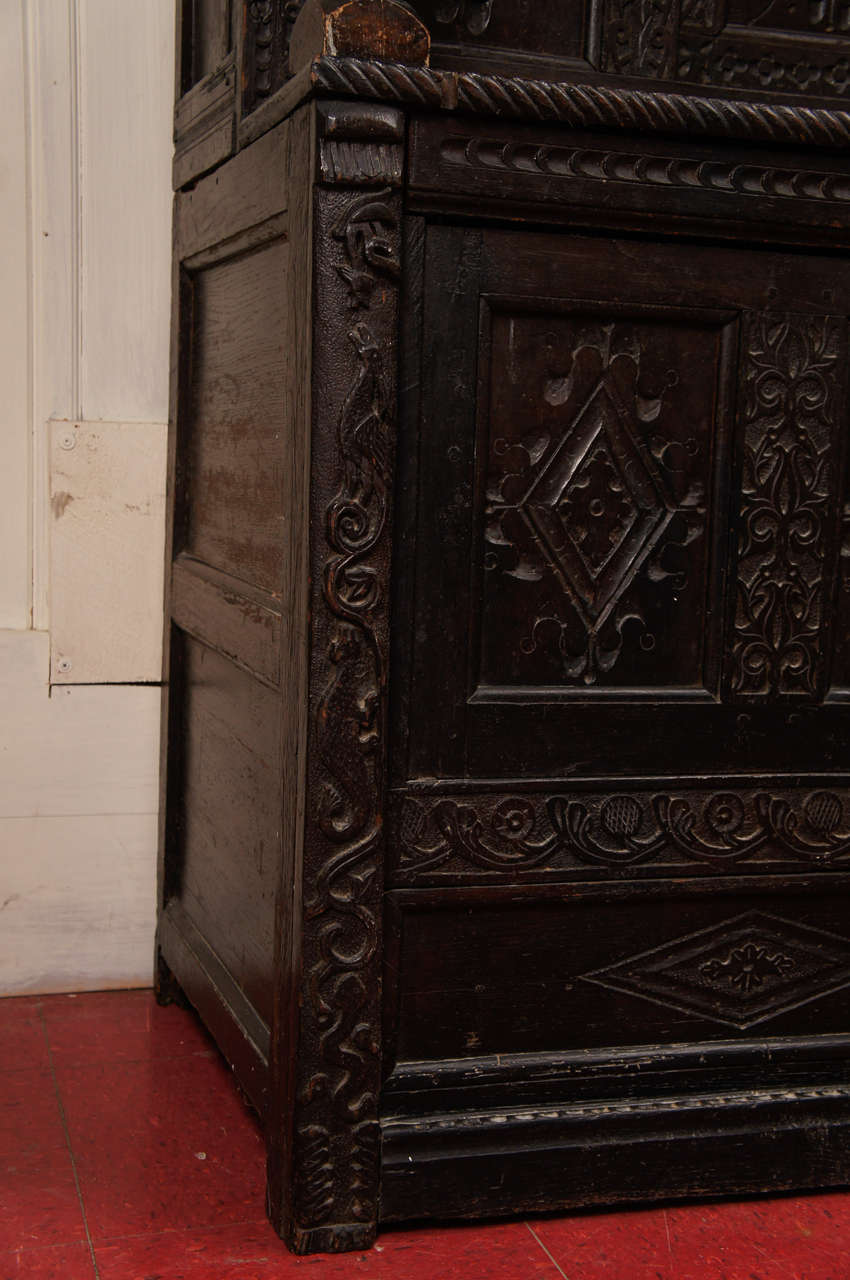 17th Century Jacobean Carved Oak Two-Piece Sideboard Cupboard In Good Condition For Sale In Great Barrington, MA