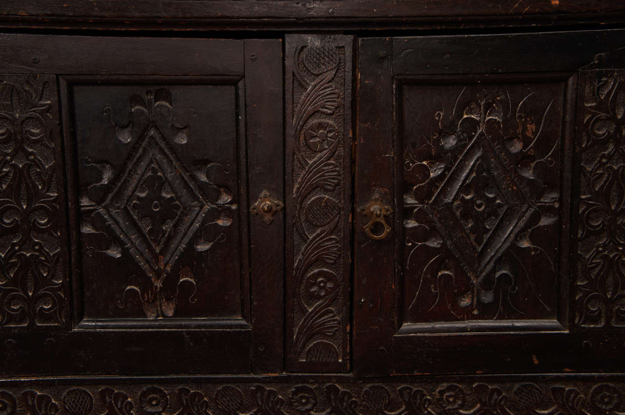 17th Century Jacobean Carved Oak Two-Piece Sideboard Cupboard For Sale 3
